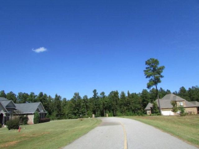 16 Fox Creek Drive, Haddock, GA 31033
