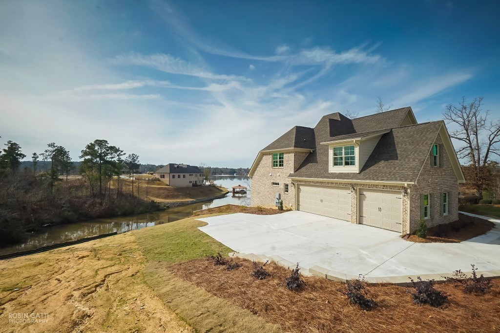 245 Shoreline Way, Macon, GA 31220