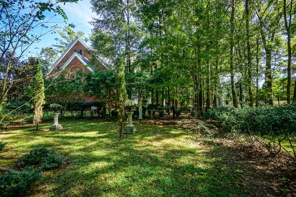 155 Gleneagles Court, Macon, GA 31210