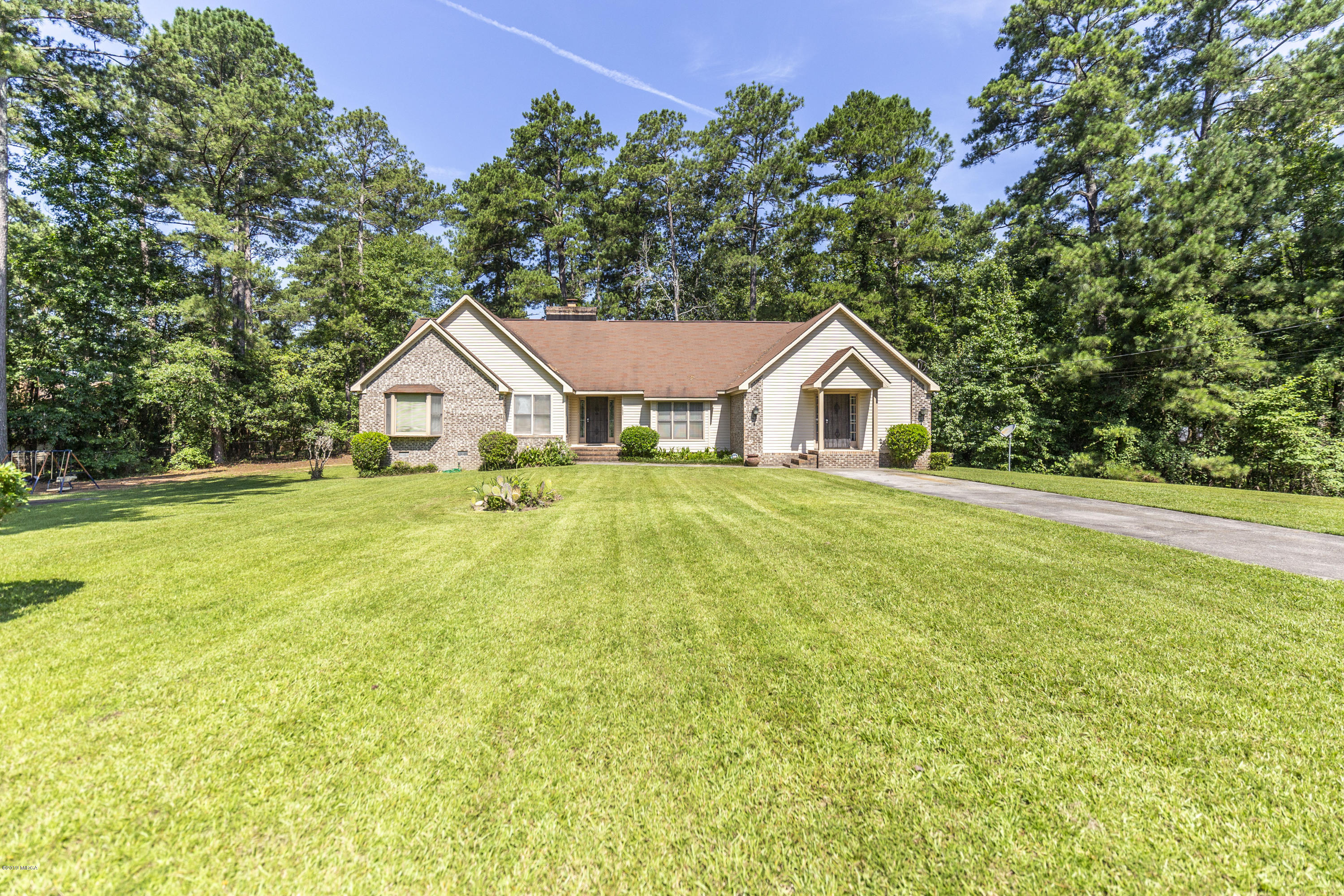 111 Lakeside Court, Macon, GA 31211