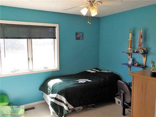 208 Oakwood Dr - Additional Photo - 15