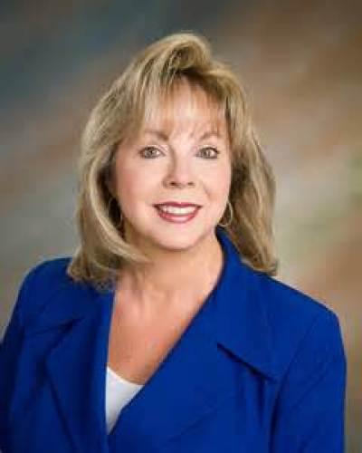 Lynne VanDeventer agent image