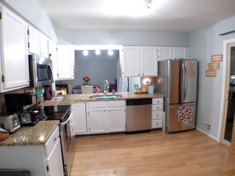 640 Winding River Way - Kitchen - 14