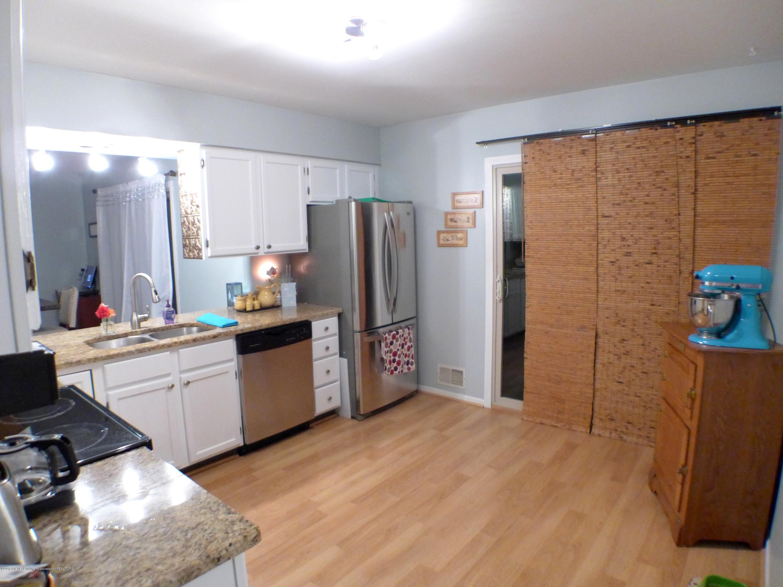640 Winding River Way - Kitchen - 15