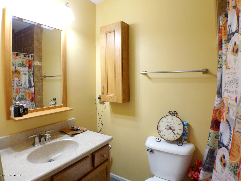 640 Winding River Way - Bathroom - 27