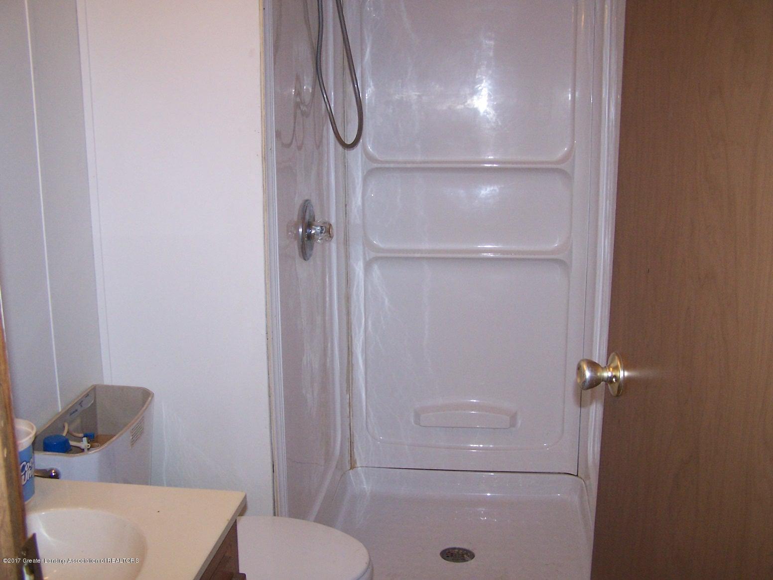 6106 Ferris Rd - Bathroom - 18