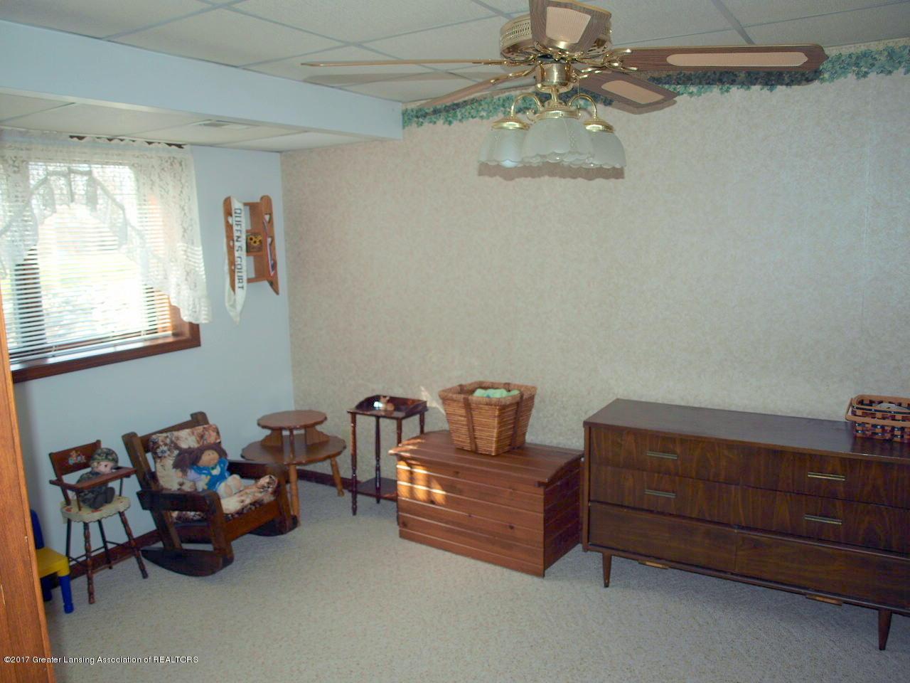 1871 W Taft Rd - Lower Level Bedroom - 22