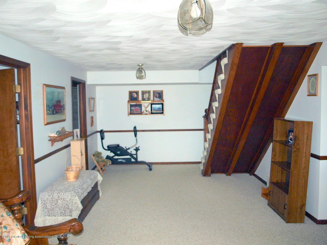 1871 W Taft Rd - Family Room - 23