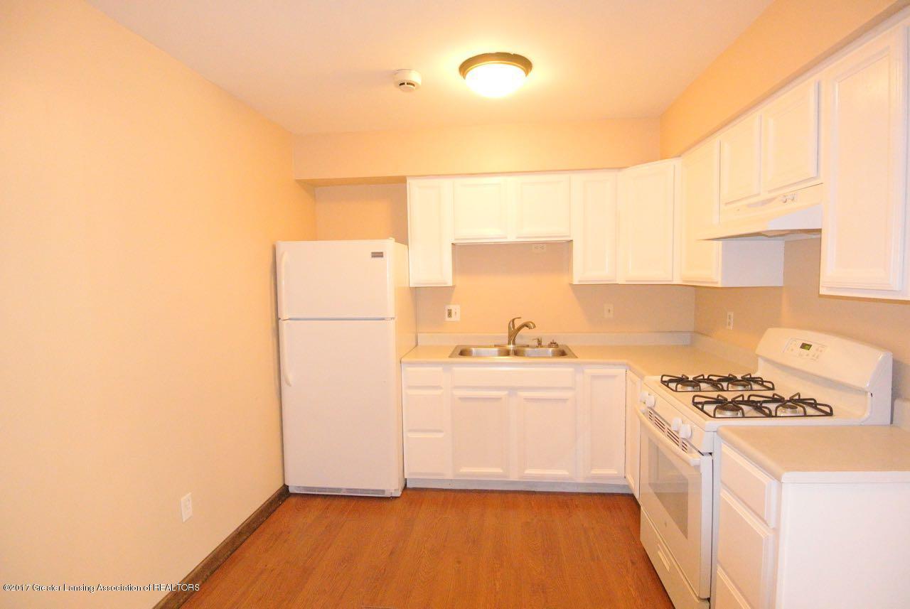 1320 Penrod Ct - Kitchen - 5