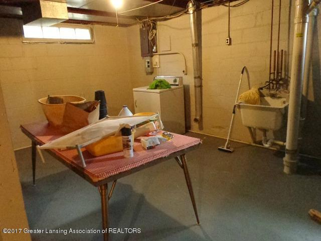 426 W Barnes Ave - Basement - 17
