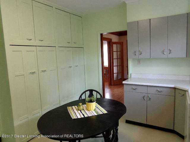 426 W Barnes Ave - Kitchen - 7