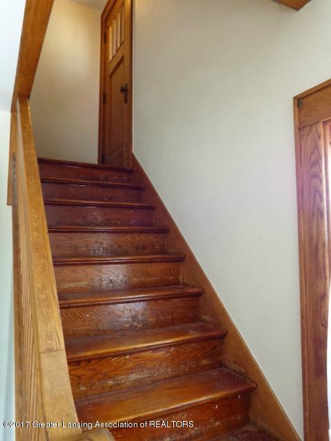 426 W Barnes Ave - Stairs - 8