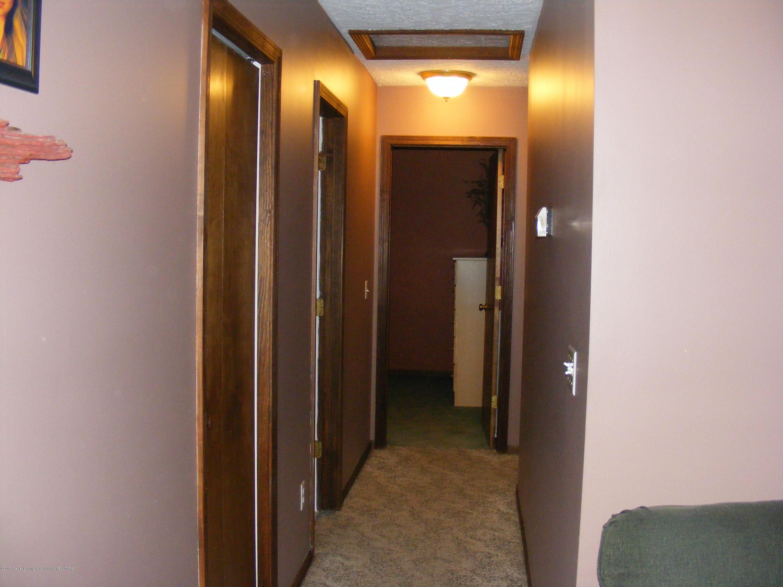 6190 Springport Rd - Hallway - 13
