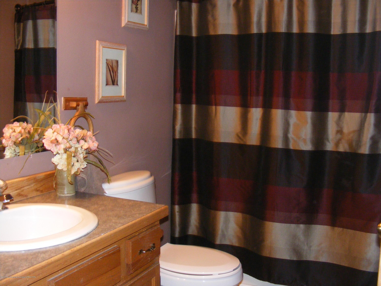 6190 Springport Rd - Bathroom - 19