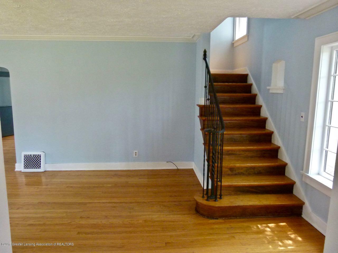 406 Westmoreland Ave - Stairway - 6