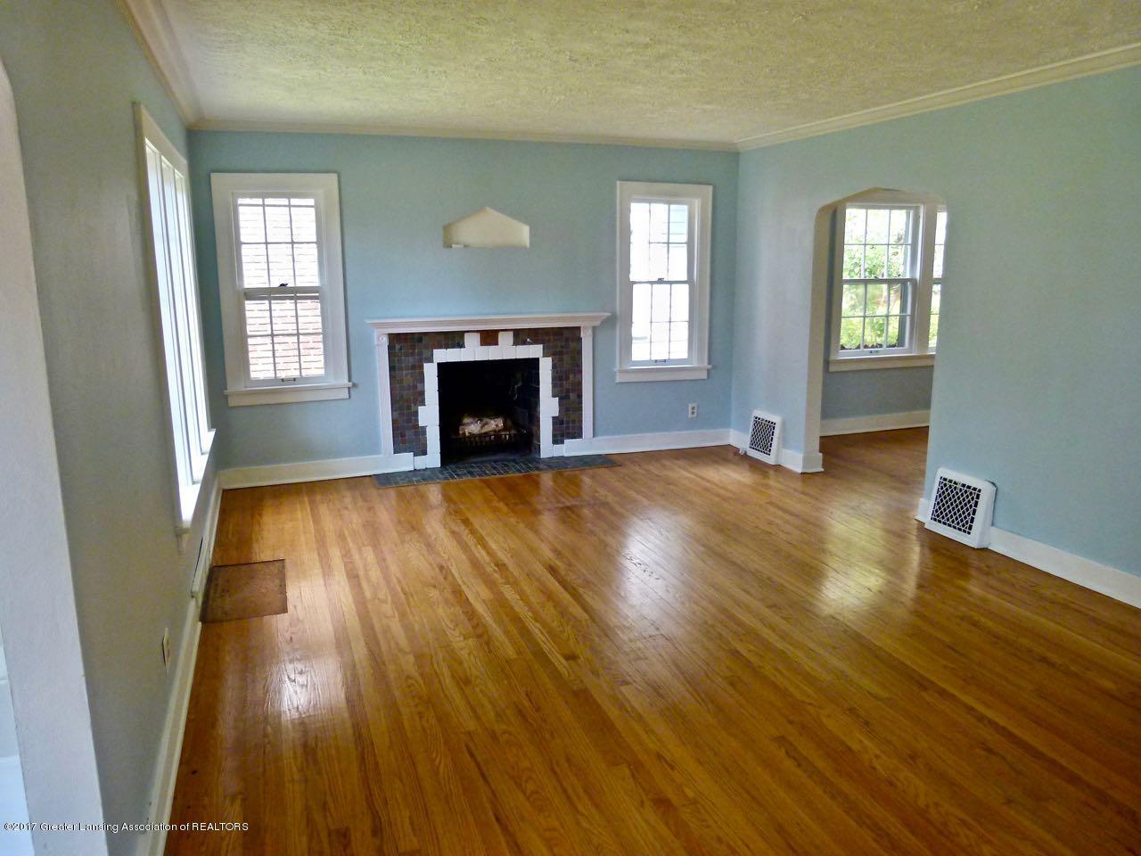 406 Westmoreland Ave - Living Room - 3