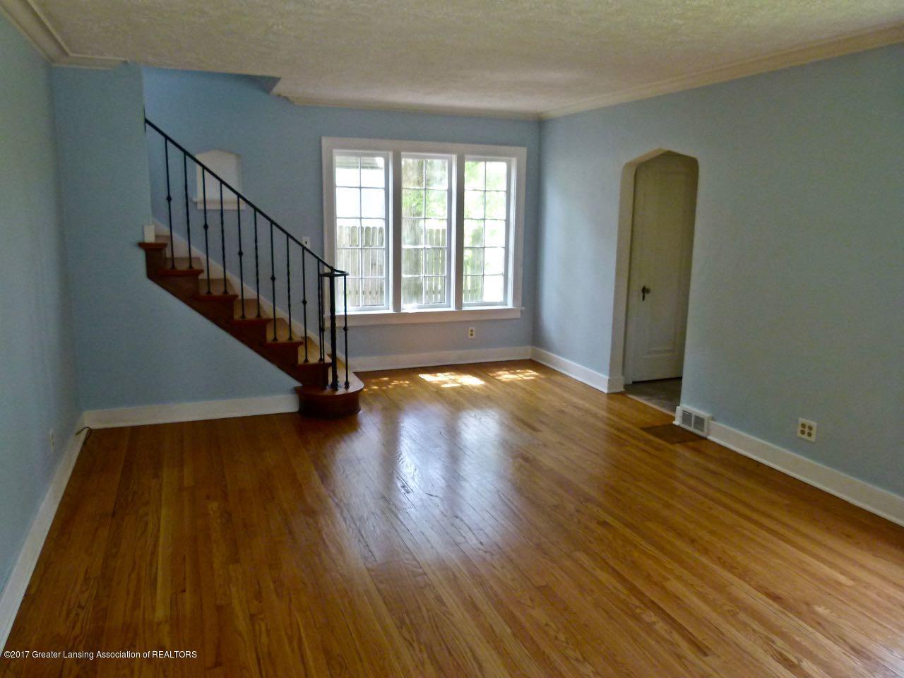 406 Westmoreland Ave - Living Room - 5