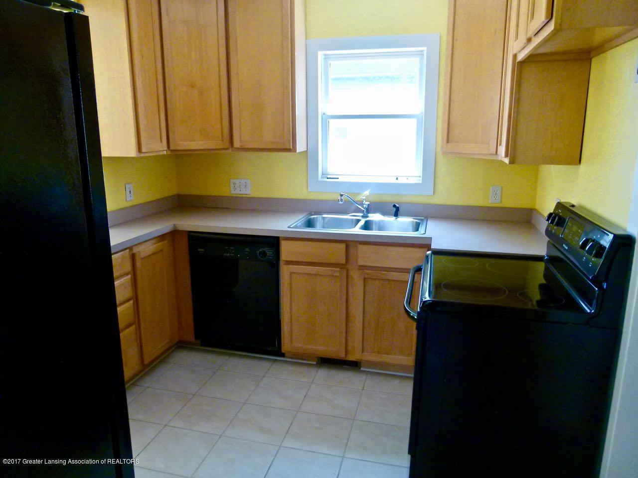 406 Westmoreland Ave - Kitchen - 7
