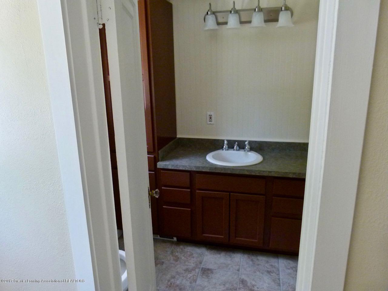 406 Westmoreland Ave - Bathroom - 10
