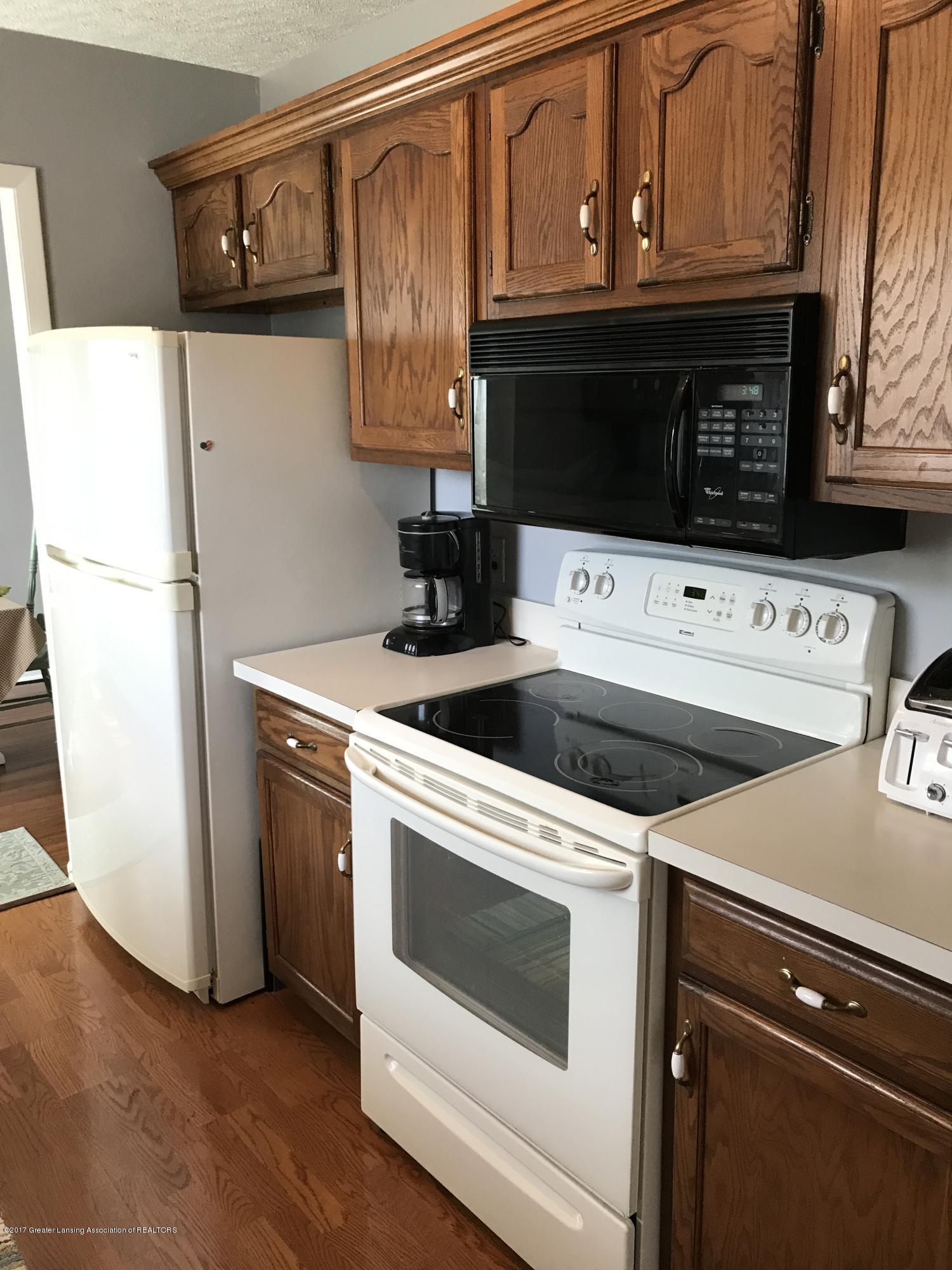 403 Jade Dr - Kitchen - 2