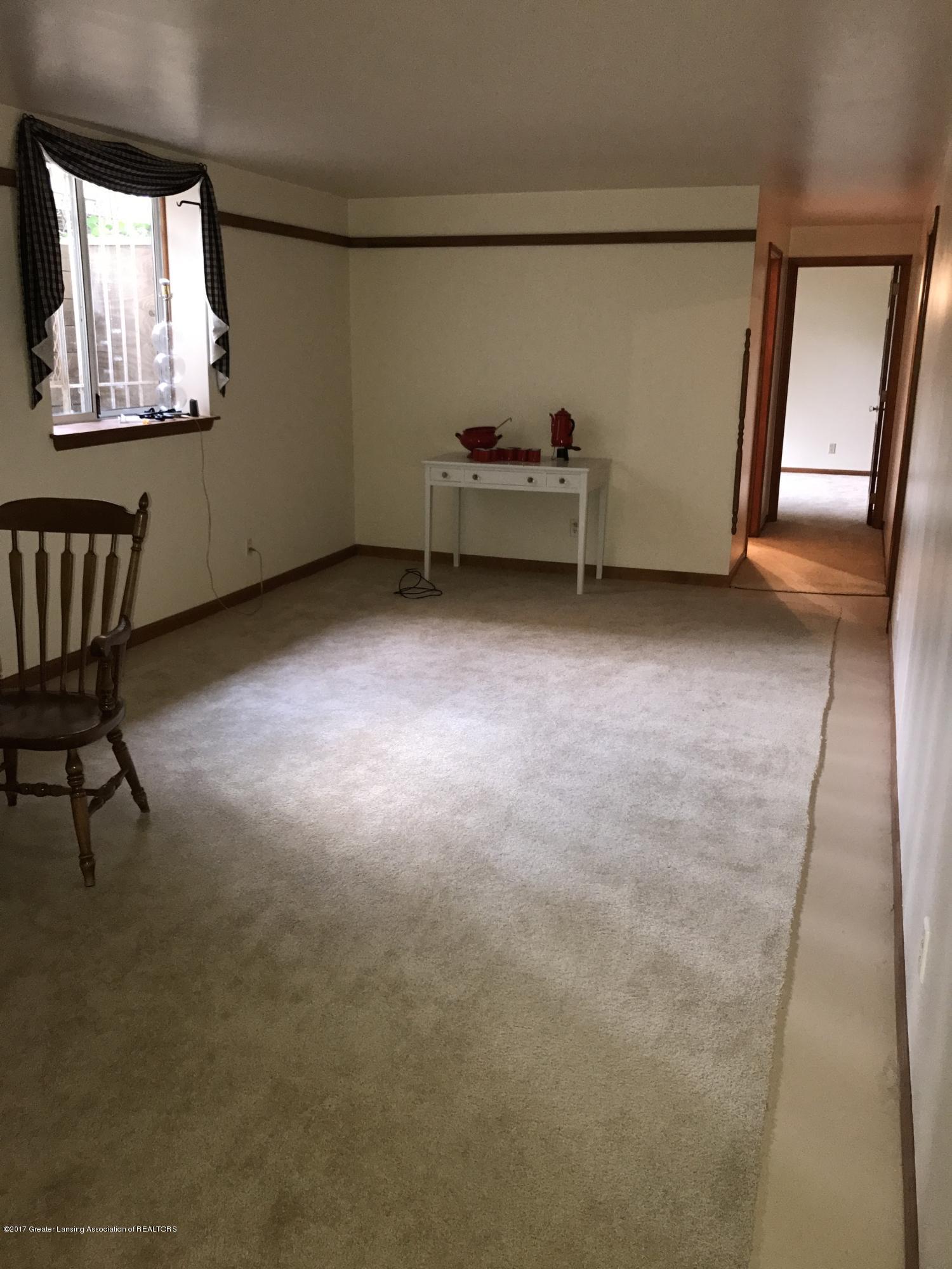 403 Jade Dr - Family room lower level - 15