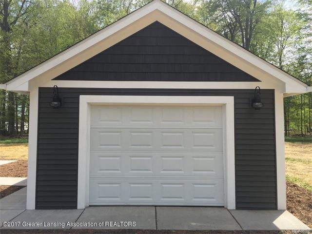 4879 Wilcox Rd - Garage - 2