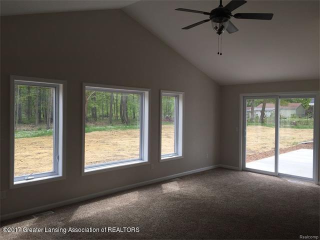 4879 Wilcox Rd - Living Room - 3