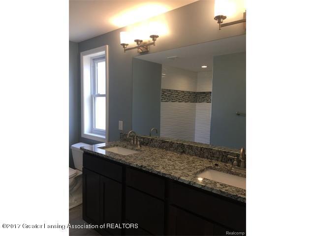 4879 Wilcox Rd - Bathroom - 6