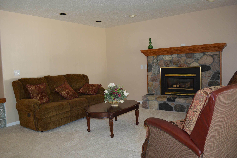1954 Auburn Ave - Living Room - 8