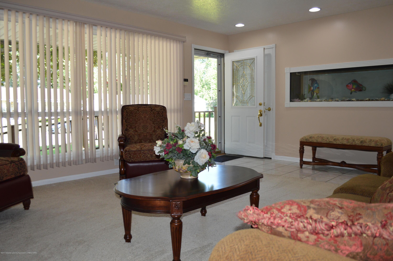1954 Auburn Ave - Living room - 11