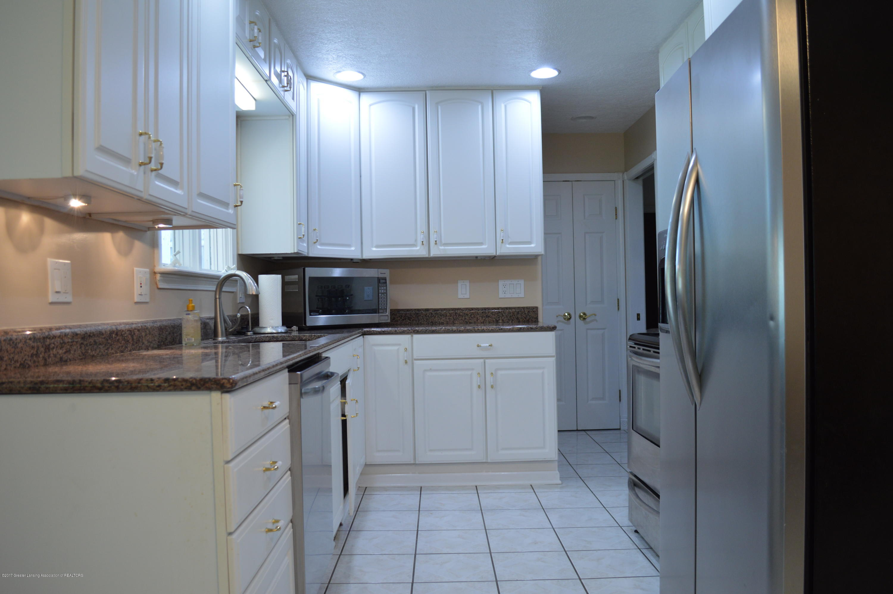 1954 Auburn Ave - Kitchen - 5