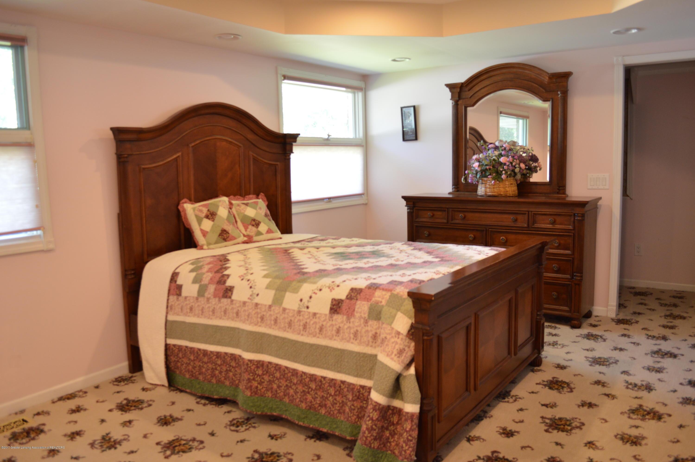 1954 Auburn Ave - Master Bedroom - 15