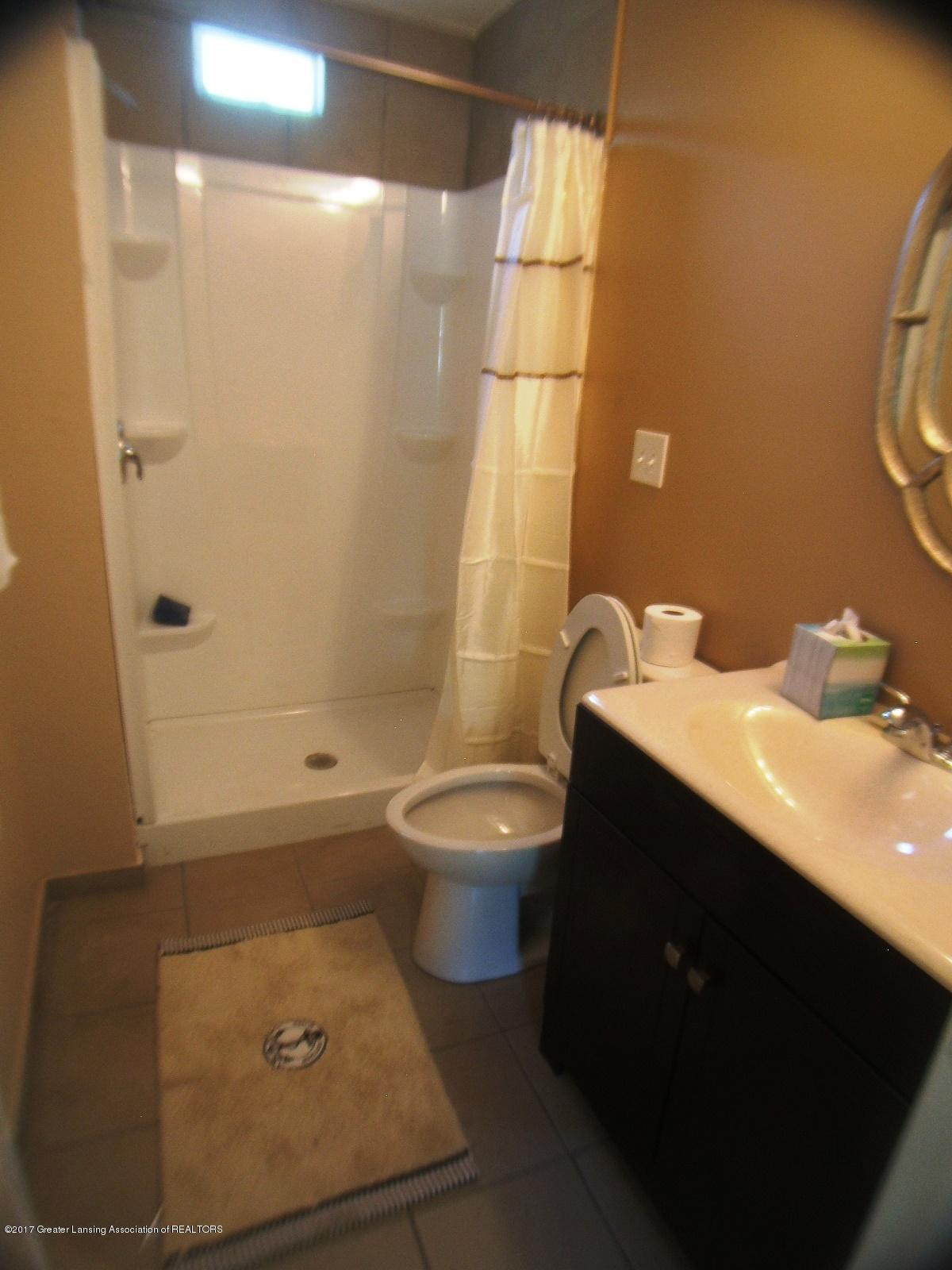 501 S Hayford Ave - Bathroom - 4