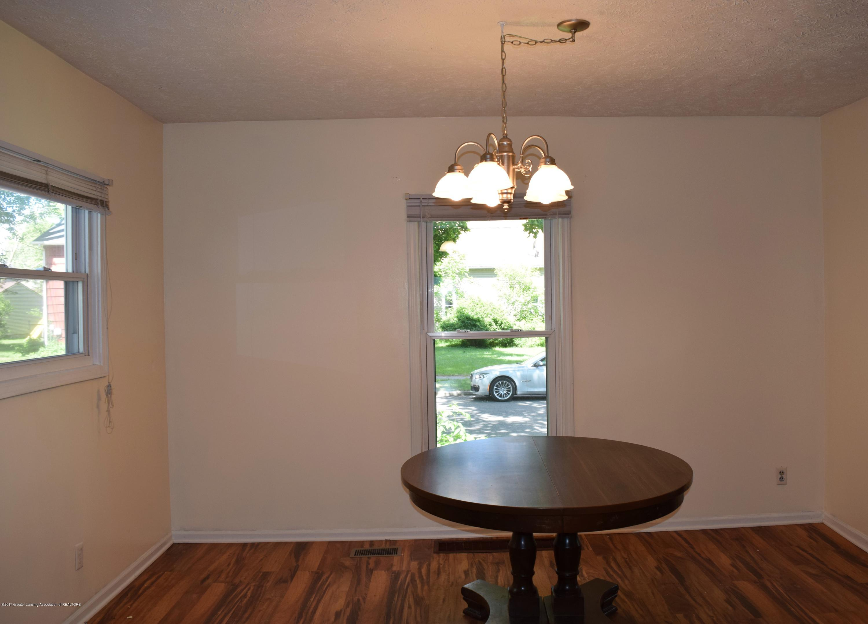 1321 W Ionia St - Dining Room - 8