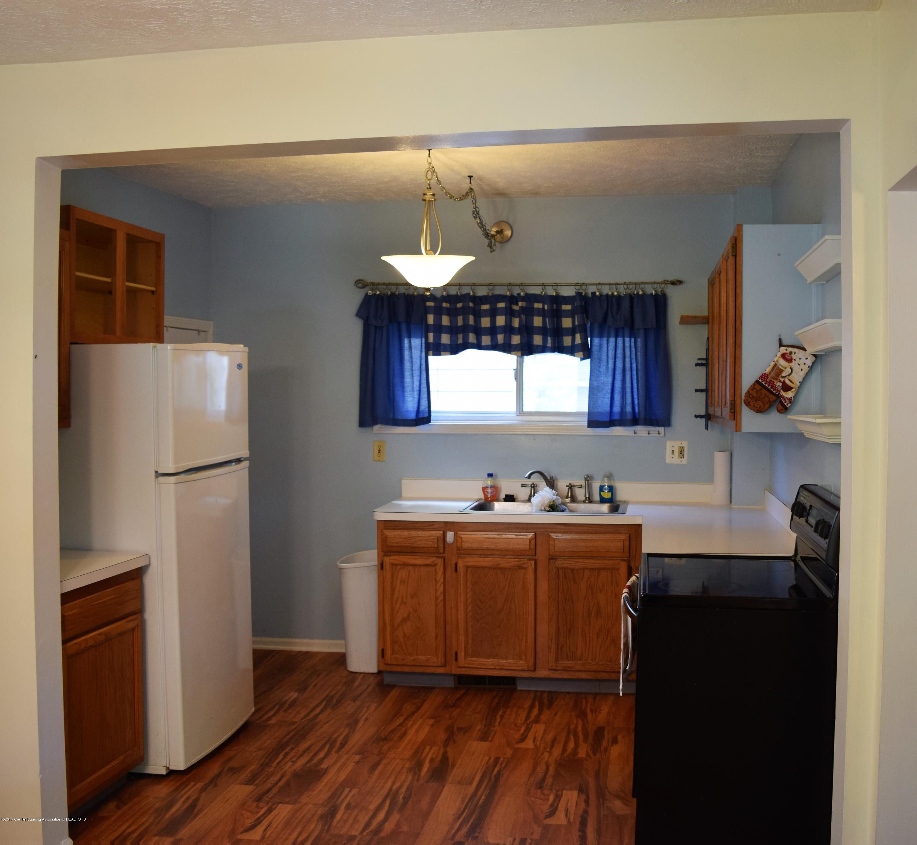 1321 W Ionia St - Kitchen - 12