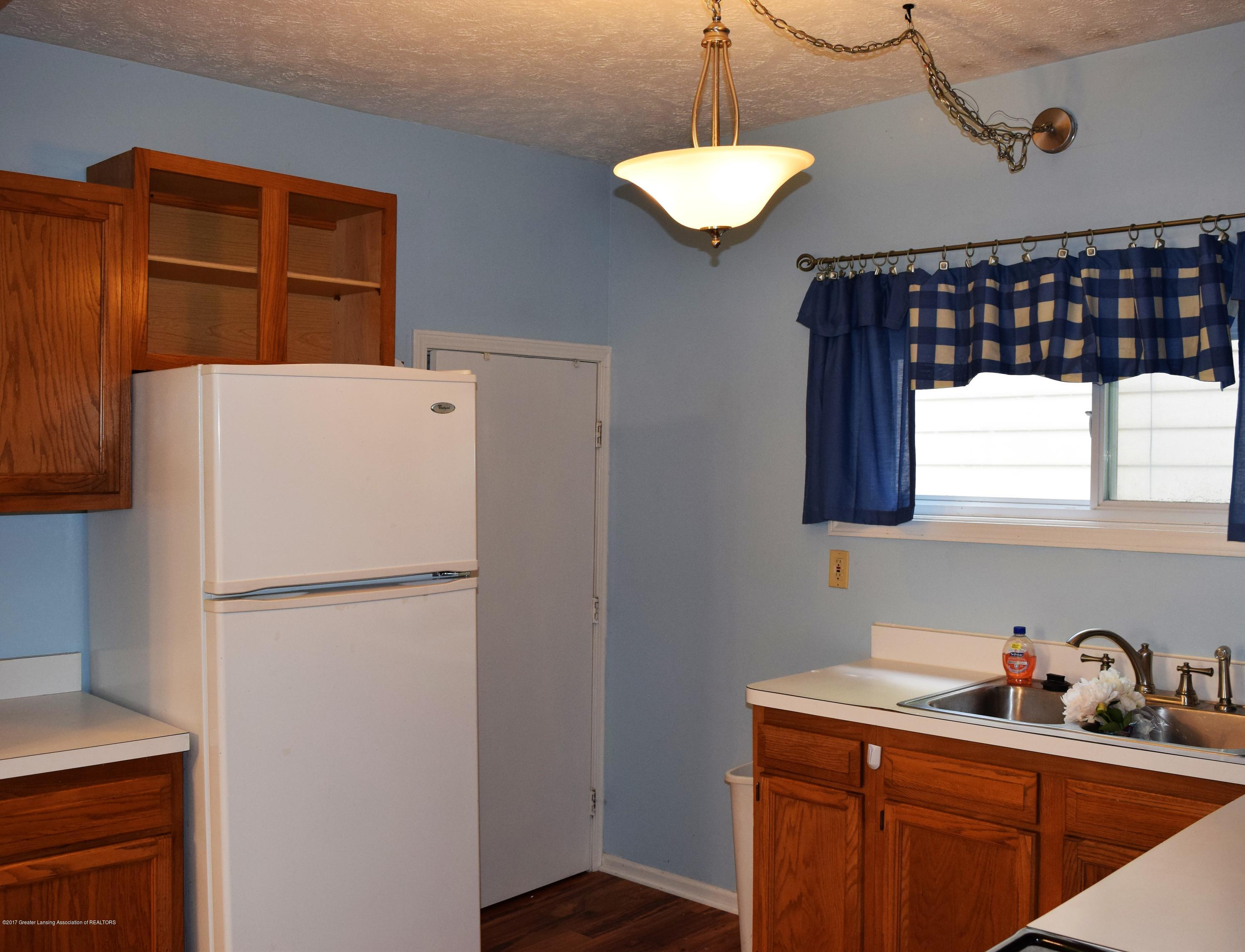 1321 W Ionia St - Kitchen - 13