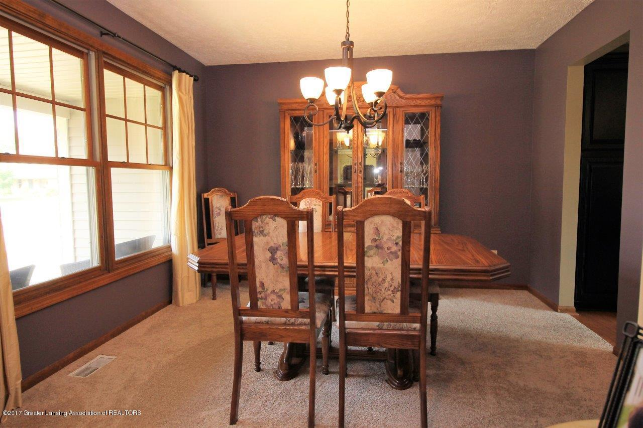 5855 MacMillan Way - 10. Dining Room - 10