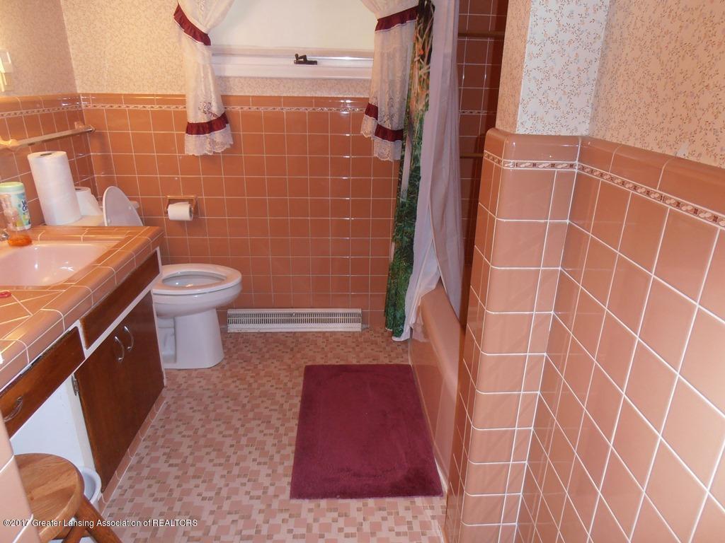 532 E Cavanaugh Rd - 06 Bathroom - 6
