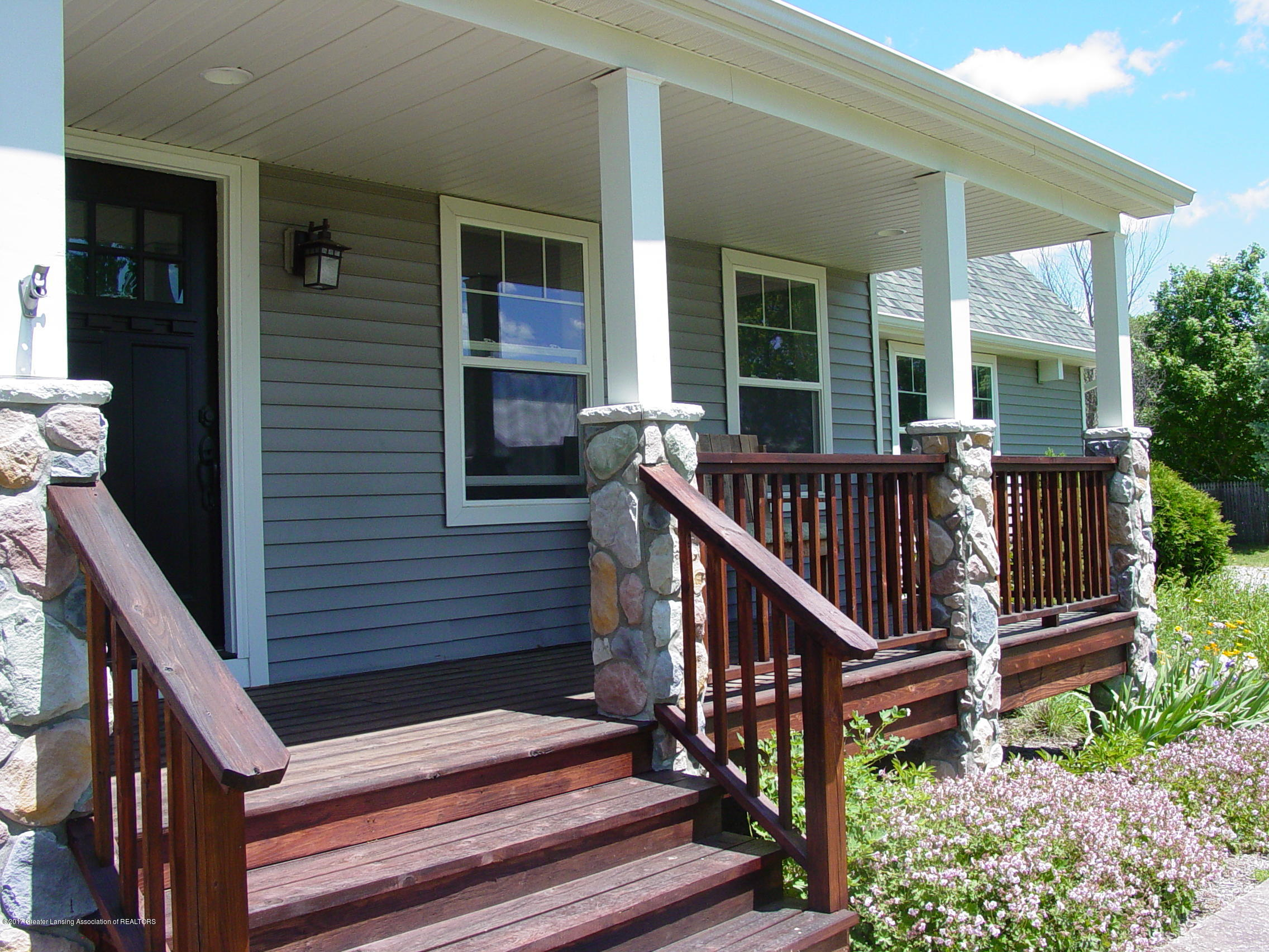 5233 Kinsey Rd - Covered Porch - 3