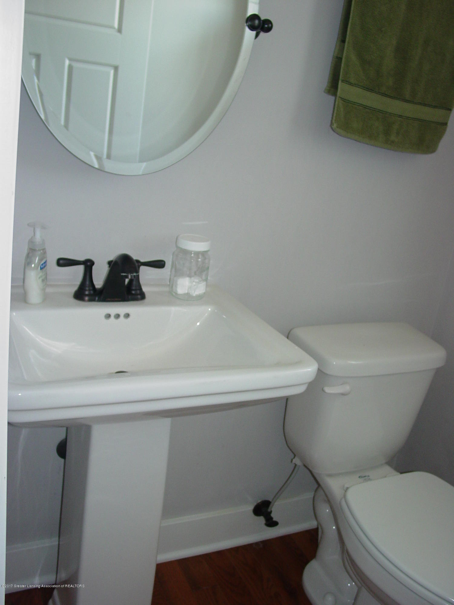 5233 Kinsey Rd - Half Bath - 18