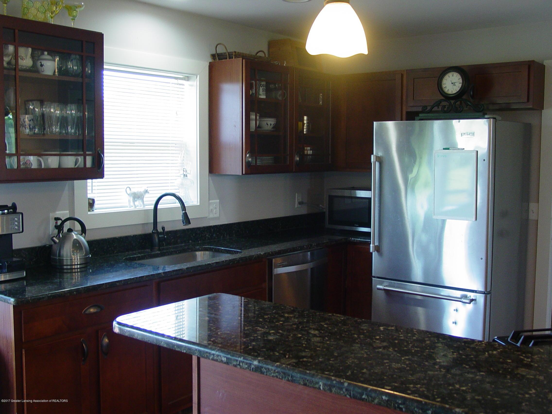 5233 Kinsey Rd - Kitchen - 4