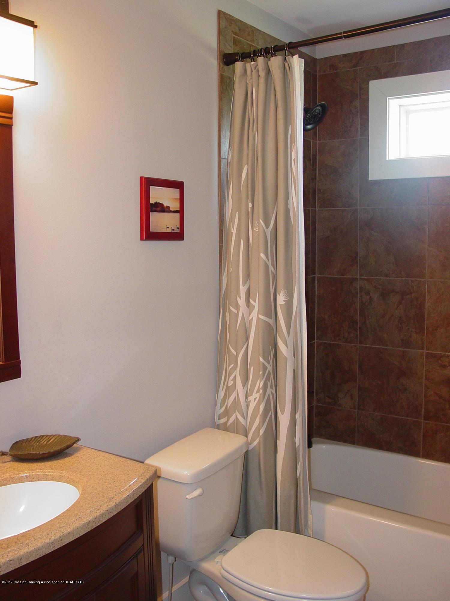 5233 Kinsey Rd - Upstairs Bath (2) - 15