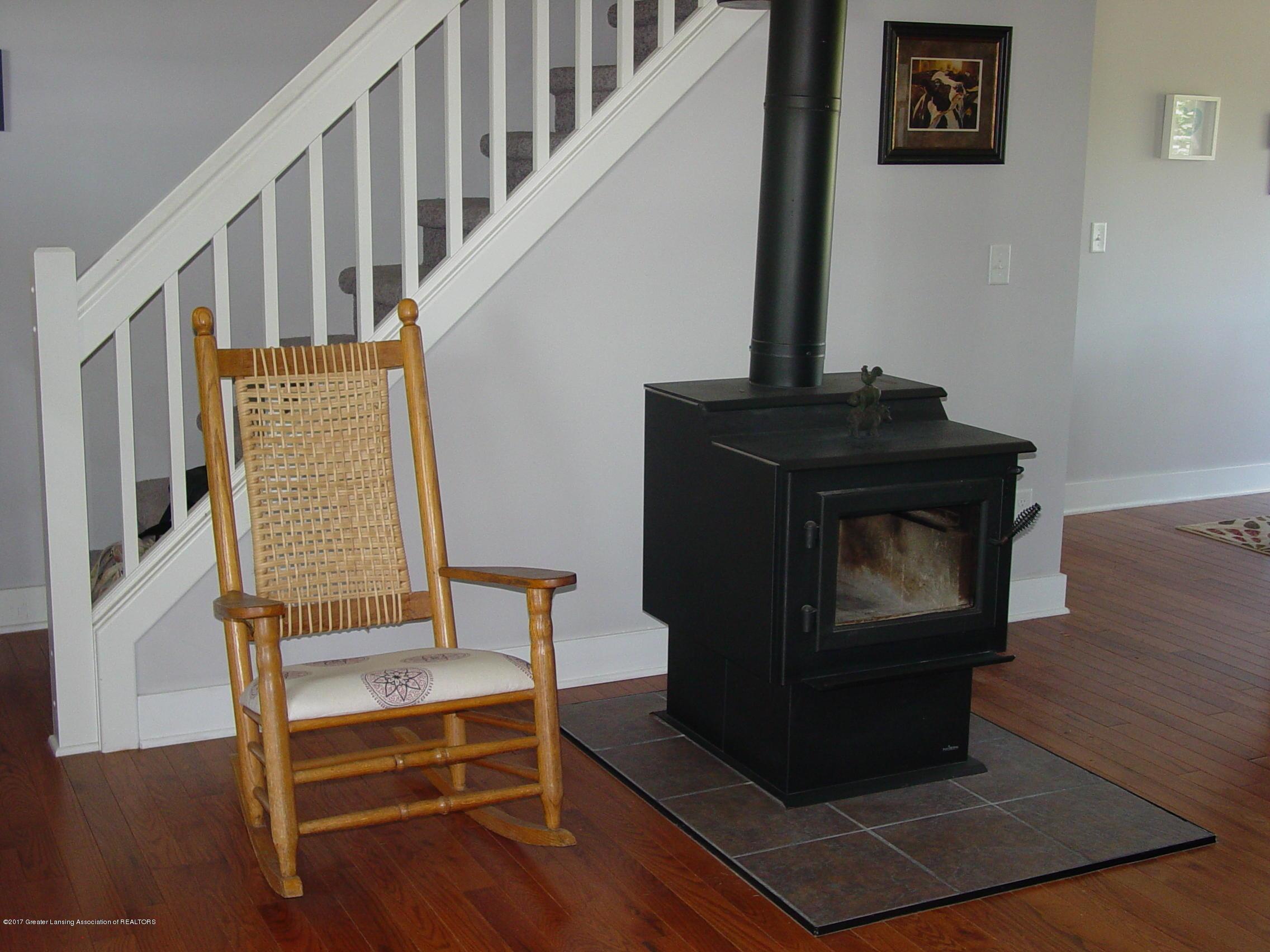 5233 Kinsey Rd - Wood Burning Stv - 26