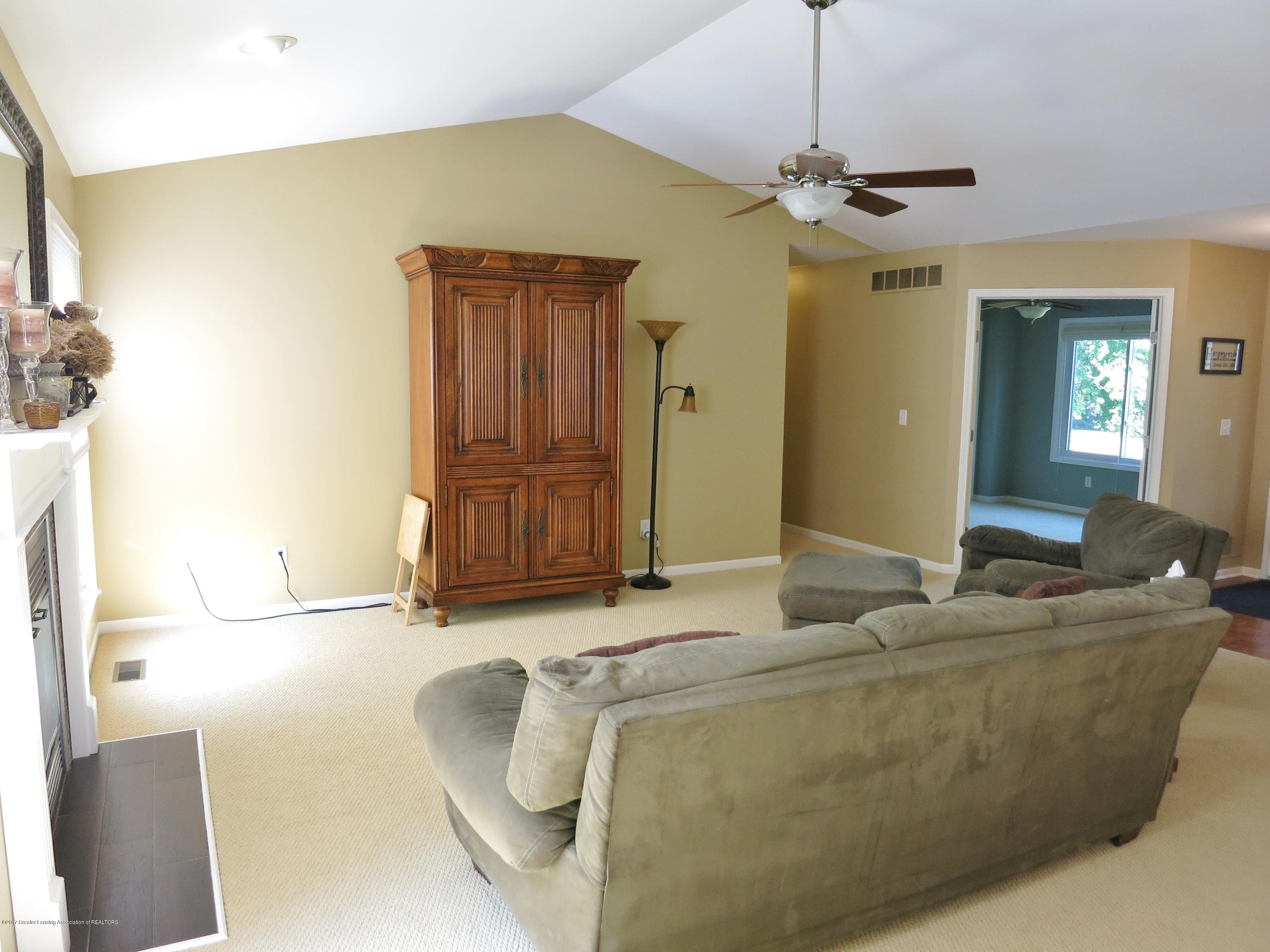2785 River Pointe Dr - IMG_4971 - 10