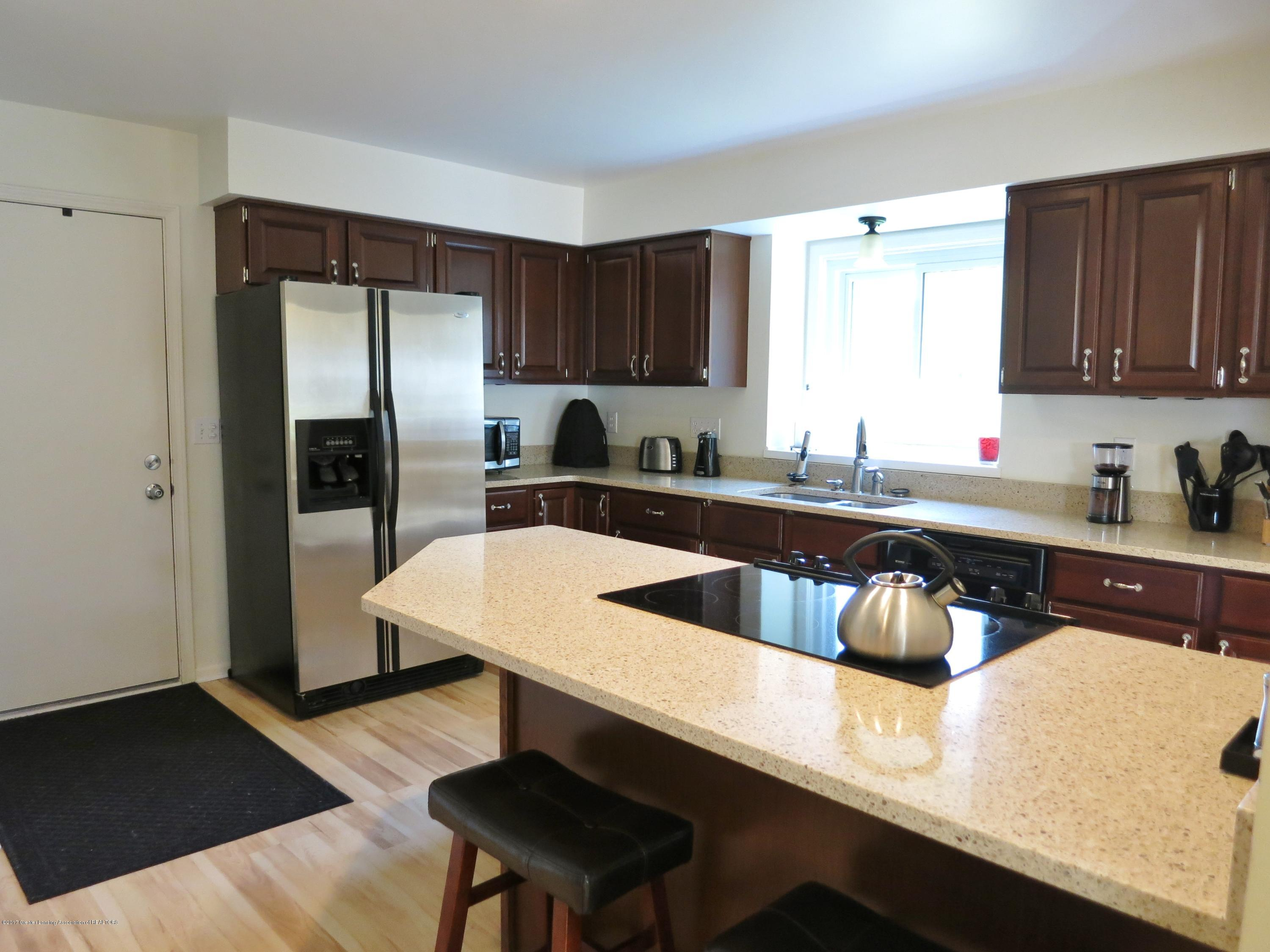 2785 River Pointe Dr - IMG_4974 - 7