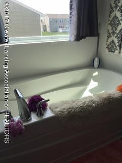 5611 Bittern Dr - Bathroom - 17