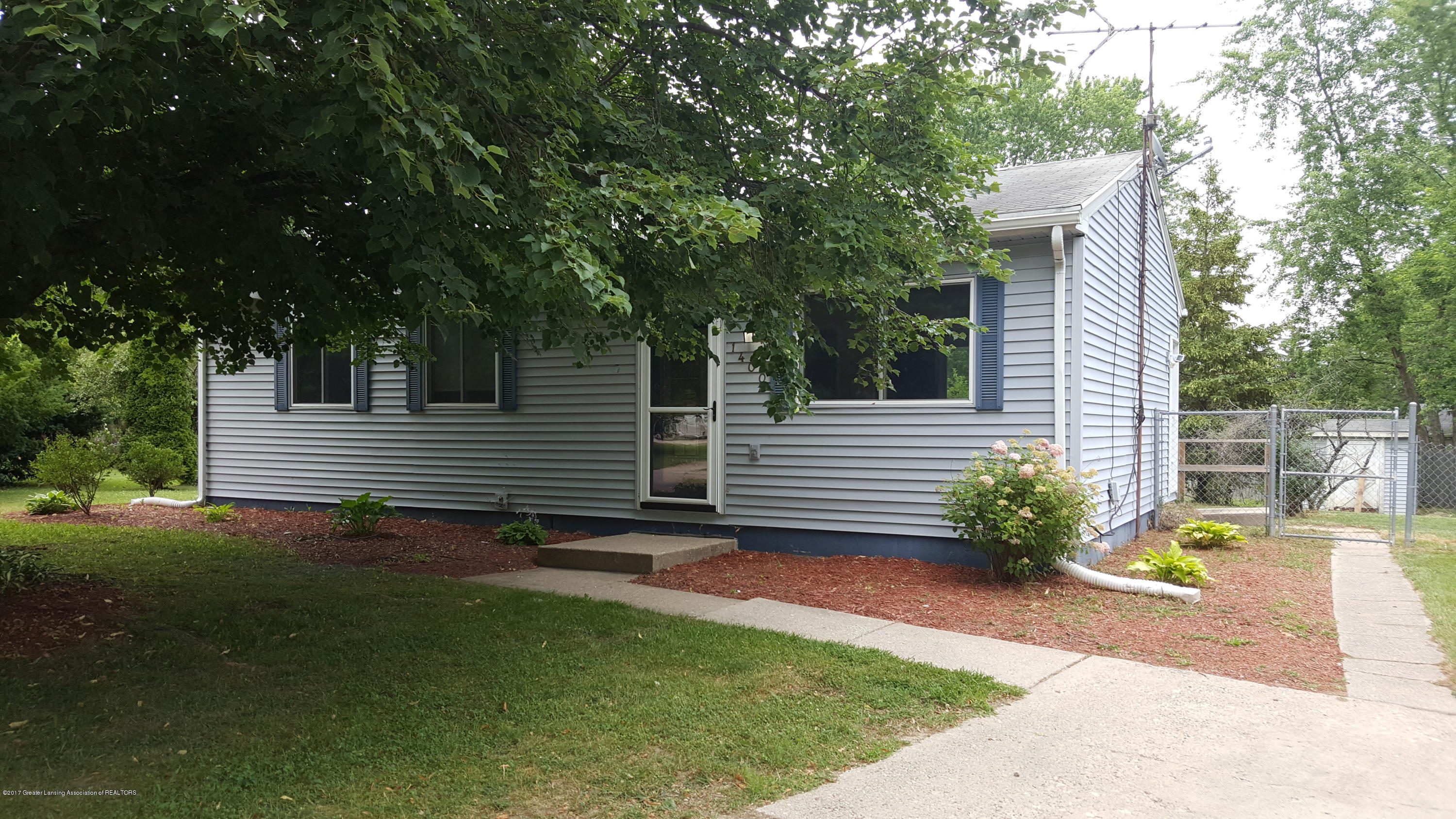 1400 Weymouth Ct - Front - 1