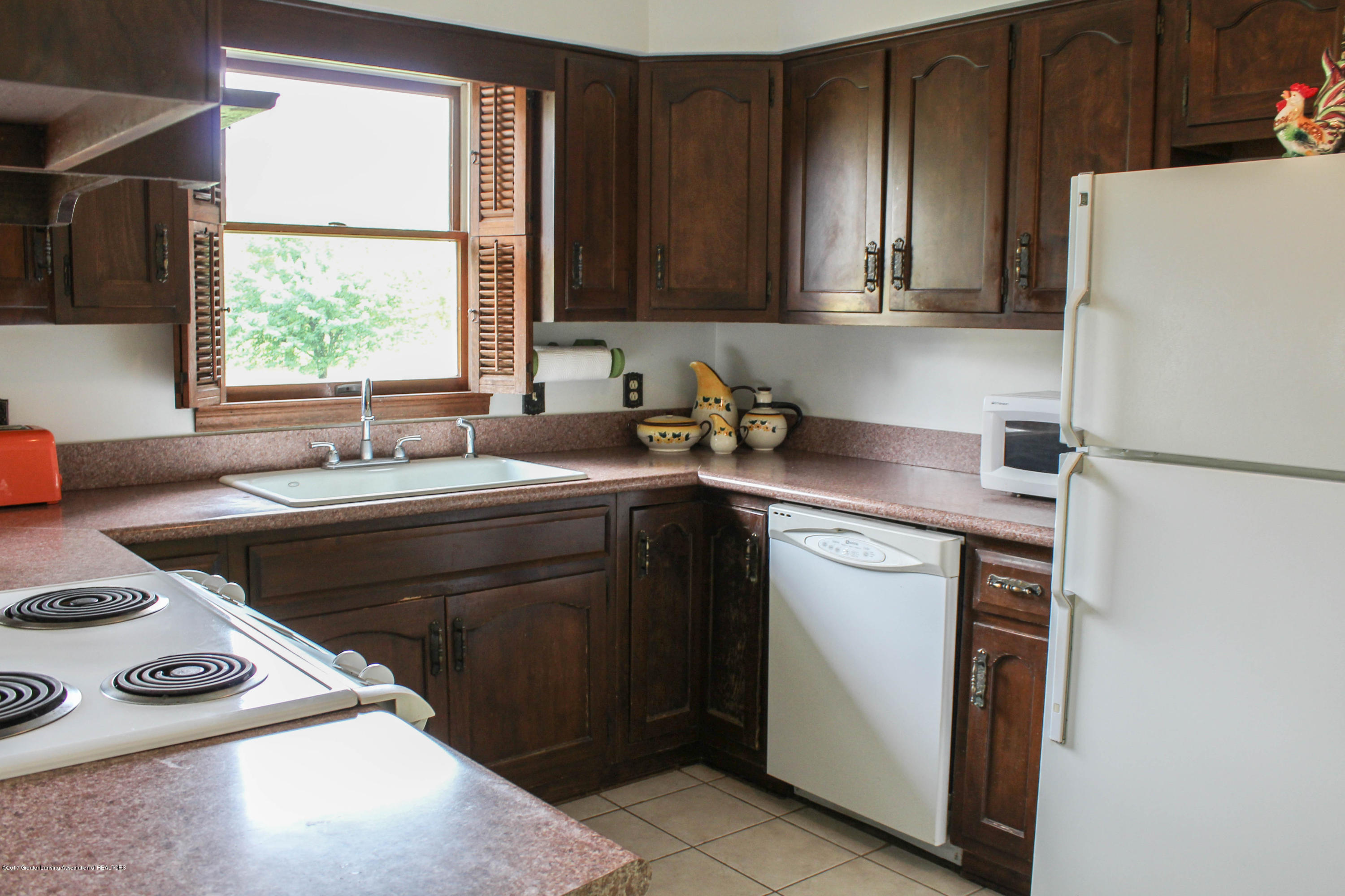 10239 Converse Rd - Kitchen - 5