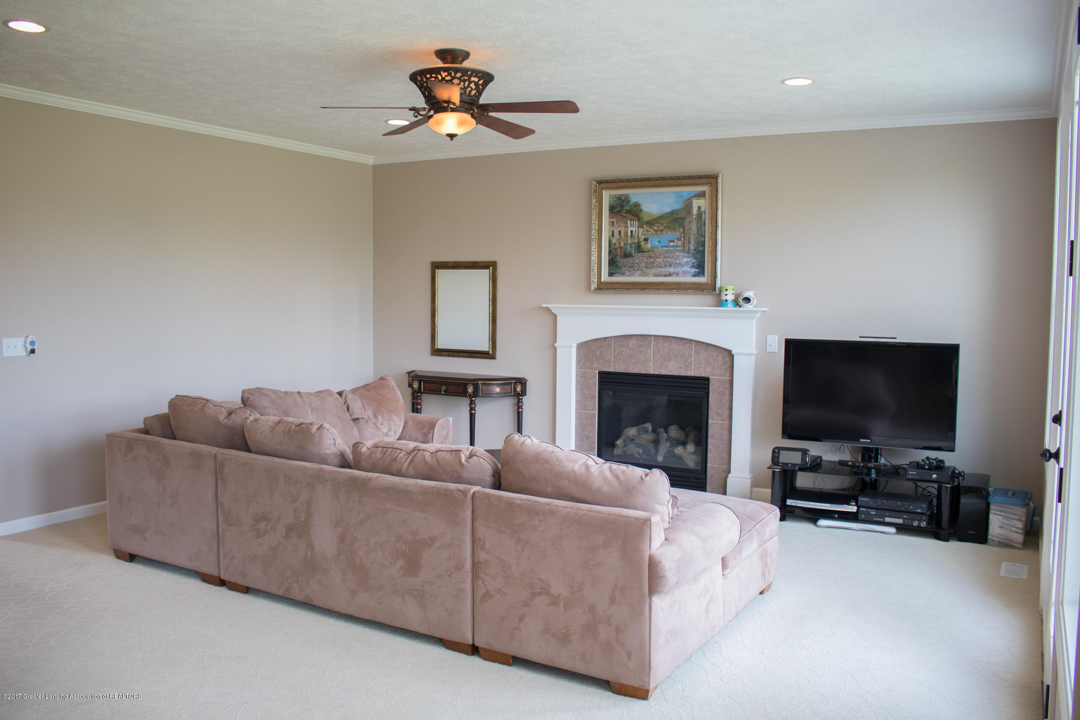 2550 Lupine Ct - Great Room - 16
