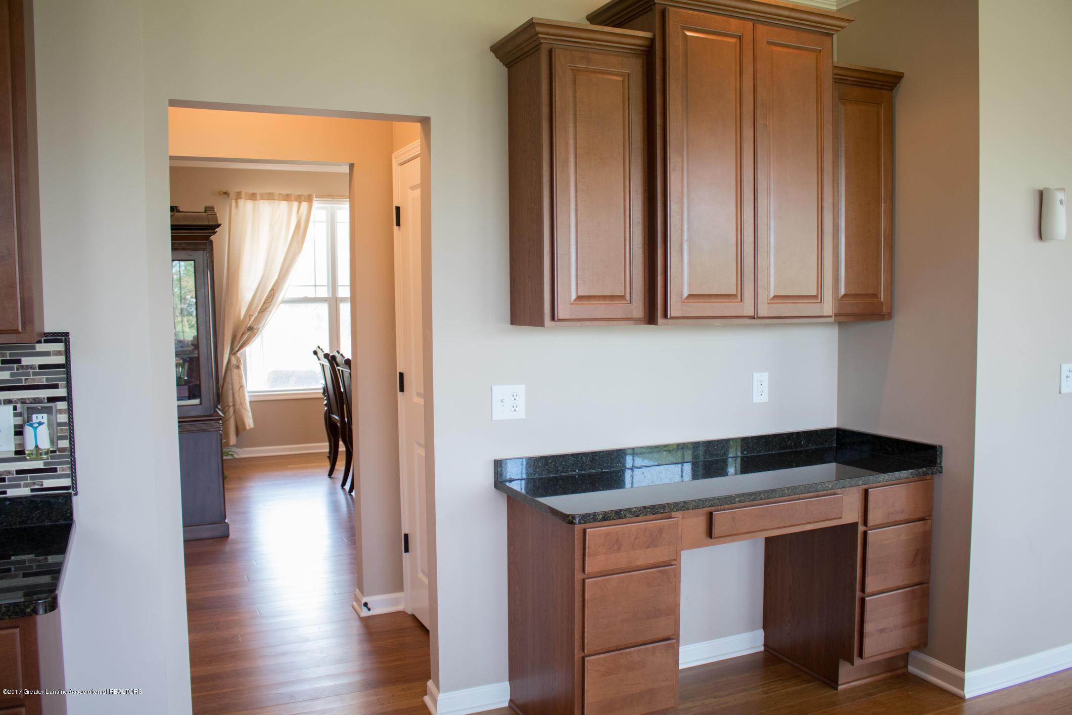 2550 Lupine Ct - Kitchen Work Desk - 28